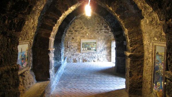 """Sala """"Jean Calogero"""" - Castello di Aci Castello"""